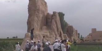 寻找最早玉门关文化历史考察活动在甘肃嘉峪关启动