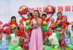 武威市凉州区清源镇农民表演歌舞《走进新农村》