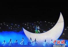 中国首部大型沙漠实景剧《敦煌盛典》在敦煌预演成功