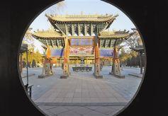 甘肃张掖大佛寺: 古佛安卧祁连侧 塔影还映甘州城