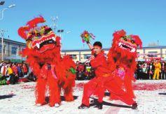 山丹县位奇镇新开村社火队奉献传统民俗文化大餐