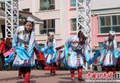 张掖市乌江镇安镇村文化广场自编自演文艺节目迎新春