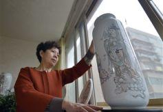 兰州民间古老的传统技艺——瓷刻飞天工艺品