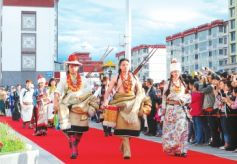 2016世界旅游形象大使中国少数民族赛区颁奖盛典在甘南州大剧院举行