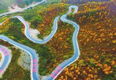 定西渭源县分水岭一幅风光旖旎的天然画卷