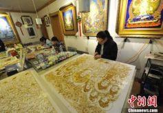 兰州民间艺人李海明历时半年4800厘米金丝掐出《金身如来说法图》