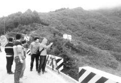 陇南文县高楼山生态环境良好引游客驻足拍摄美景