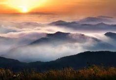 平凉关山北方名山之雄奇与江南水乡之柔美相融合