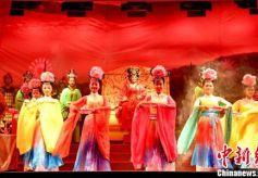 古装神话剧《西王母》在甘肃崆峒山下上演