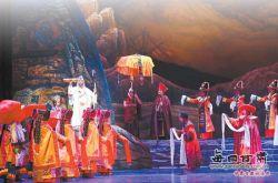 甘肃省藏戏团创演的藏戏《唐东杰布》拉开了序幕