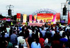 """第五届甘肃酒泉·华夏文化艺术节""""小康酒泉""""如期举行。"""