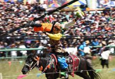 甘肃省第十一届格萨尔赛马节在甘南玛曲开幕