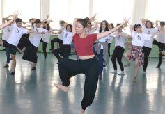 台湾大学生到甘肃体验敦煌文化