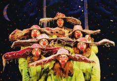 俄罗斯舞台剧《斯拉法的下雪秀》甘肃大剧院落幕