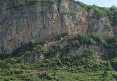 甘肃悬崖古寺藏唐代题壁墨迹 距今1200年神采依旧
