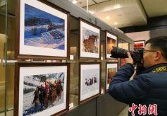 甘肃省现代摄影学会35年优秀摄影作品展在兰州开幕