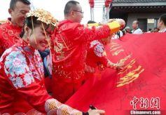 """甘肃省政协委员""""支招""""破除陋习"""