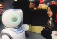 甘肃兰州水果超市现机器人服务员