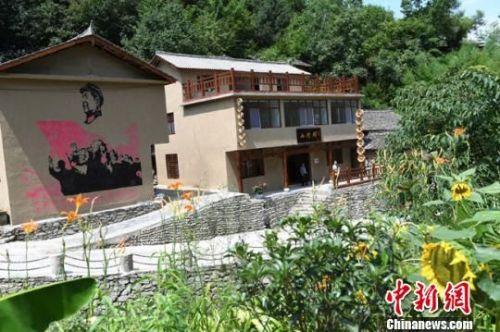 资料图。图为甘肃康县通过美丽乡村建设,发展山水旅游。 杨艳敏 摄