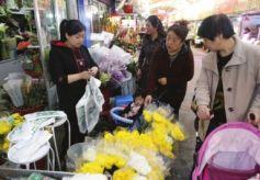 甘肃兰州:清明节鲜花热销