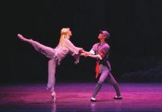 """上海芭蕾舞团""""扛鼎之作""""亮相兰州音乐厅"""