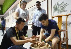 外国留学生到甘肃进行文化交流