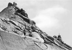 """雕刻家兰州榆中雕出一座甘肃风情的""""艺术""""山"""