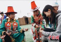 香港大学生和内地大学生携手推广甘肃裕固族文化