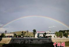 """""""中国乞巧文化之乡""""甘肃西和现彩虹"""