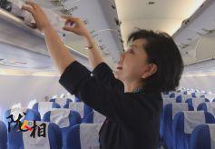 从业31载的东航甘肃分公司客舱服务部乘务长段淑玲