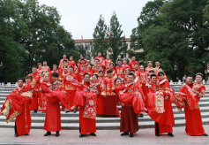 甘肃平凉市集体婚礼新风文明芬芳溢满城