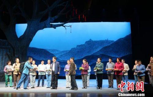 """甘肃戏剧""""红梅奖""""崆峒山开赛:唱地方戏传中华魂"""