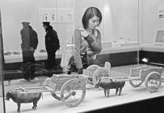 """甘肃省博物馆西一楼推出""""车尘马迹——丝绸之路的交通与交流""""展"""