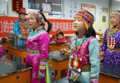 文化进万家'快乐老乡·文化惠民行'红湾寺镇非遗进校园活动举办