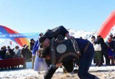 甘肃肃北牧民冬季赛马赛驼欢乐多