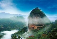 清明小长假天水甘谷县大像山景区迎来旅游小高峰