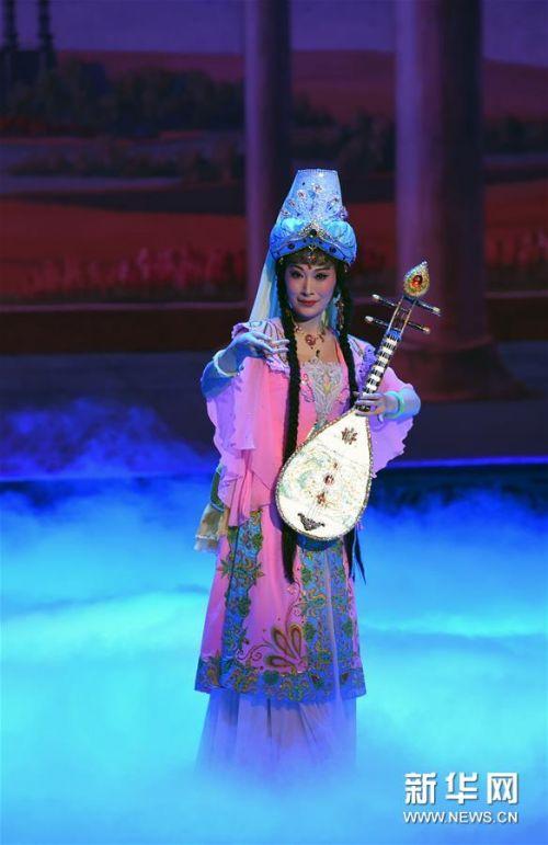 (文化)(4)兰州:京剧《丝路花雨》精彩上演