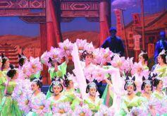 大型京剧《丝路花雨》在甘肃兰州黄河剧院上演