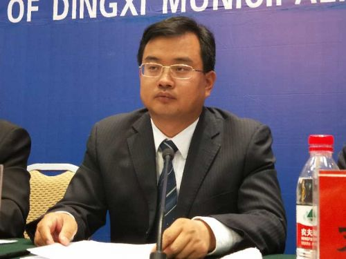 定西市文体广电和旅游局局长田学荣出席发布会。摄影 李开南