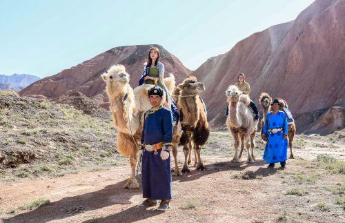 张掖国家地质公园 特色体验项目 ——驼队 - 复件(1)