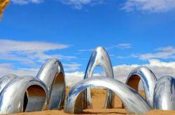 2019中国·民勤第二届沙漠雕塑国际创作营暨大地艺术节启幕