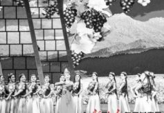 """《美丽中国 吉祥高原》""""三区三州""""文艺展演盛况在甘肃文化影视频道播出"""
