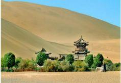 甘肃省河西多地迎来旅游热 3日内酒泉敦煌方向动车票紧张