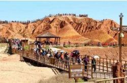 在甘肅眾多景點中 張掖丹霞熱度排名第一