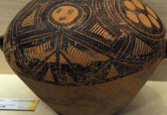 甘肃彩陶文化创意产品展在甘肃政法大学开展