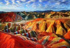 张掖地质公园地貌景观享誉全球