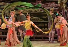 蘭州市2020新年惠民演出舞劇《大夢敦煌》在蘭州音樂廳上演