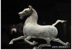 兰州甘肃省博物馆镇馆之宝,马踏飞燕,中国旅游的标志!