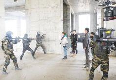 甘肅首部科幻電影 《重金屬獵人》在蘭殺青