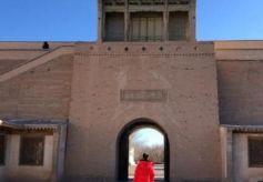 甘肃有一座塞上故宫,沙漠环绕,当地人都很少有胆量去